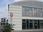 Bild vom Düsselbogen Frontansicht Halle 1 u Buero.jpg